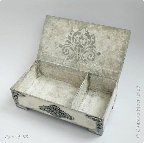 Шкатулка из плотного картона, покрытого слоем шпаклевки.  Декор - холодный фарфор.  фото 2
