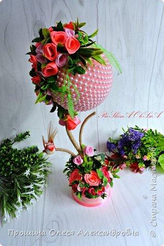 """Привет Всем!Решила поделится своей новинкой """"Бусинка в розовом"""".Крона  выполнена из бусин и атласных роз,декоративная зелень,а ствол металлический отделан шпагатом льняным!Очень нежное и прекрасное деревце будет прекрасным подарком! фото 3"""