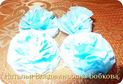 Мастер-класс  по изготовлению панно  «Цветок»   из бумажных салфеток.  фото 19