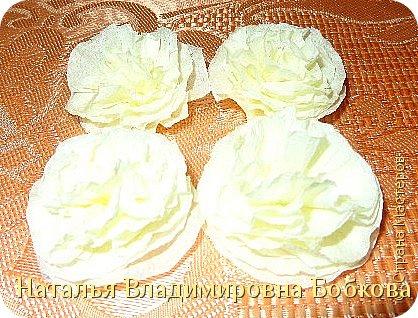Мастер-класс  по изготовлению панно  «Цветок»   из бумажных салфеток.  фото 18