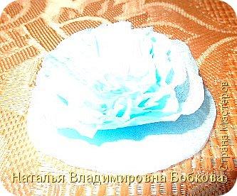 Мастер-класс  по изготовлению панно  «Цветок»   из бумажных салфеток.  фото 17