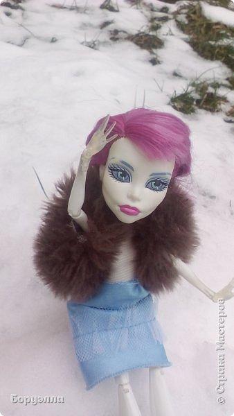 Всем привет! Давно нас здесь меня не было, надеюсь никто не забыл) Зима наступает, пора утеплять Ариадну. Так как снег то выпадет, то растает, бывает трудно определить, что одеть) Поэтому ограничились меховой безрукавкой. фото 1