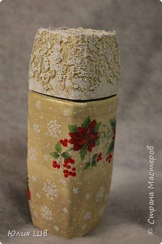 """Добрейшего всем дня! Я с новогодней подготовкой. Ключница. Заготовка их фанеры березовой, салфеточка с волком, """"лепнина"""" из Фимо самоотвердевающей, ягодки из Фимо запекаемой, фактура шпатлевкой Текс для дерева, снежок. фото 9"""
