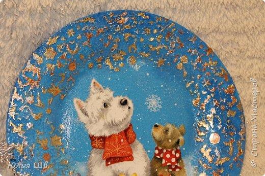 """Добрейшего всем дня! Я с новогодней подготовкой. Ключница. Заготовка их фанеры березовой, салфеточка с волком, """"лепнина"""" из Фимо самоотвердевающей, ягодки из Фимо запекаемой, фактура шпатлевкой Текс для дерева, снежок. фото 15"""
