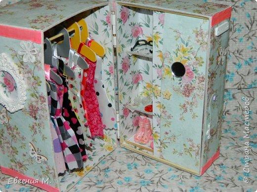 Получила Набор одежды и обуви с АлиЭкспрес и решила, что дарить в невзрачном пакетике не хочется и тогда появился вот такой шкафчик, крестница бала в восторге. фото 3