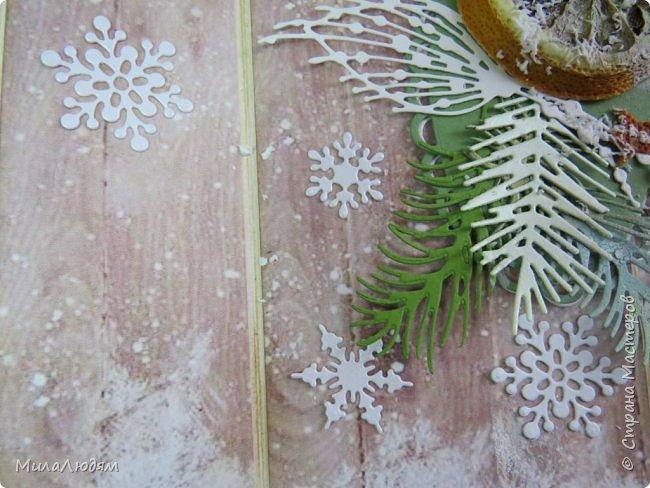 """Всем здравствуйте! отчитываюсь за IV ЭТАП СТ """"Семь чудесных открыток"""" -""""Открытка-раскладушка"""":  ТЕМА - Новый год, Рождество, зима ФОРМА - любая (прямоугольник, квадрат, трапеция и т.д.) Три года назад, когда я пришла в скрап, я увидела открытку, которая запала в душу. Я ее повторила дважды и каждый раз, как оказалось, неправильно, средний ярус я вклеивала, а надо было сгибать. (я потом нашла МК)http://stranamasterov.ru/node/827683 и  http://stranamasterov.ru/node/826879    И вот теперь я ее сделала правильно. Назвала я ее """"Корица и апельсин"""" ОУ (обязательное условие) - вертикальные грани (сгибы) фото 23"""