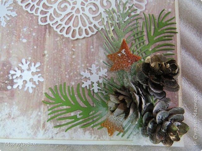 """Всем здравствуйте! отчитываюсь за IV ЭТАП СТ """"Семь чудесных открыток"""" -""""Открытка-раскладушка"""":  ТЕМА - Новый год, Рождество, зима ФОРМА - любая (прямоугольник, квадрат, трапеция и т.д.) Три года назад, когда я пришла в скрап, я увидела открытку, которая запала в душу. Я ее повторила дважды и каждый раз, как оказалось, неправильно, средний ярус я вклеивала, а надо было сгибать. (я потом нашла МК)http://stranamasterov.ru/node/827683 и  http://stranamasterov.ru/node/826879    И вот теперь я ее сделала правильно. Назвала я ее """"Корица и апельсин"""" ОУ (обязательное условие) - вертикальные грани (сгибы) фото 24"""