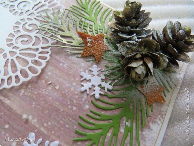 """Всем здравствуйте! отчитываюсь за IV ЭТАП СТ """"Семь чудесных открыток"""" -""""Открытка-раскладушка"""":  ТЕМА - Новый год, Рождество, зима ФОРМА - любая (прямоугольник, квадрат, трапеция и т.д.) Три года назад, когда я пришла в скрап, я увидела открытку, которая запала в душу. Я ее повторила дважды и каждый раз, как оказалось, неправильно, средний ярус я вклеивала, а надо было сгибать. (я потом нашла МК)http://stranamasterov.ru/node/827683 и  http://stranamasterov.ru/node/826879    И вот теперь я ее сделала правильно. Назвала я ее """"Корица и апельсин"""" ОУ (обязательное условие) - вертикальные грани (сгибы) фото 25"""