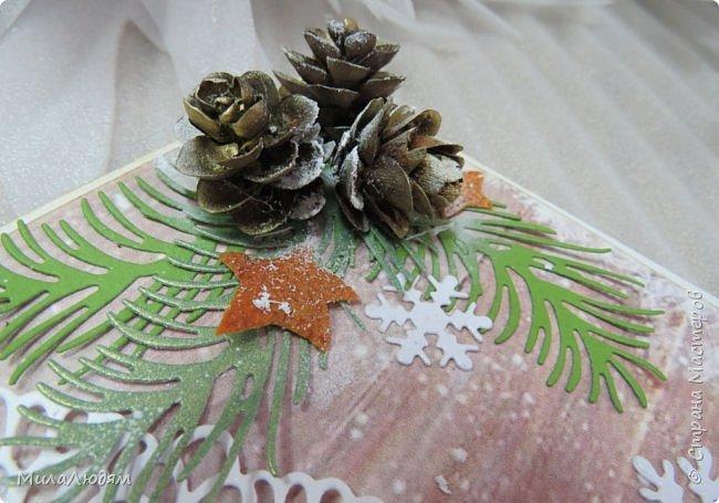 """Всем здравствуйте! отчитываюсь за IV ЭТАП СТ """"Семь чудесных открыток"""" -""""Открытка-раскладушка"""":  ТЕМА - Новый год, Рождество, зима ФОРМА - любая (прямоугольник, квадрат, трапеция и т.д.) Три года назад, когда я пришла в скрап, я увидела открытку, которая запала в душу. Я ее повторила дважды и каждый раз, как оказалось, неправильно, средний ярус я вклеивала, а надо было сгибать. (я потом нашла МК)http://stranamasterov.ru/node/827683 и  http://stranamasterov.ru/node/826879    И вот теперь я ее сделала правильно. Назвала я ее """"Корица и апельсин"""" ОУ (обязательное условие) - вертикальные грани (сгибы) фото 26"""