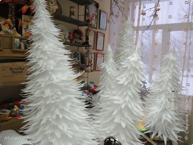 """Всем здравствуйте! отчитываюсь за IV ЭТАП СТ """"Семь чудесных открыток"""" -""""Открытка-раскладушка"""":  ТЕМА - Новый год, Рождество, зима ФОРМА - любая (прямоугольник, квадрат, трапеция и т.д.) Три года назад, когда я пришла в скрап, я увидела открытку, которая запала в душу. Я ее повторила дважды и каждый раз, как оказалось, неправильно, средний ярус я вклеивала, а надо было сгибать. (я потом нашла МК)http://stranamasterov.ru/node/827683 и  http://stranamasterov.ru/node/826879    И вот теперь я ее сделала правильно. Назвала я ее """"Корица и апельсин"""" ОУ (обязательное условие) - вертикальные грани (сгибы) фото 34"""