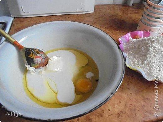 Уважаемые кулинары Страны мастеров, сегодня хочу предложить вам рецепт ещё одного вида пирожков - пирожки с калиной. фото 12