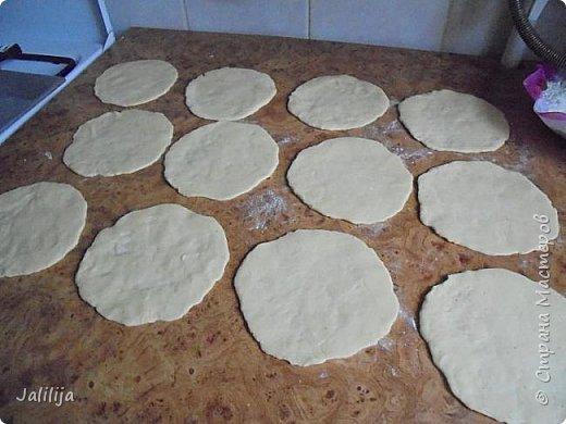 Уважаемые кулинары Страны мастеров, сегодня хочу предложить вам рецепт ещё одного вида пирожков - пирожки с калиной. фото 17