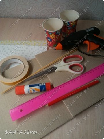 Всем еще раз привет! Я отфотографировала процесс изготовления стульчика для кормления, поэтому было решено с вами этим процессом поделиться.  фото 2