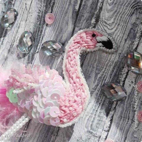 Появилось у меня в последнее время новое увлечение... мода на броши из бисера не прошла мимо))) Не умея плести, я решила начать вышивать)))  фото 4