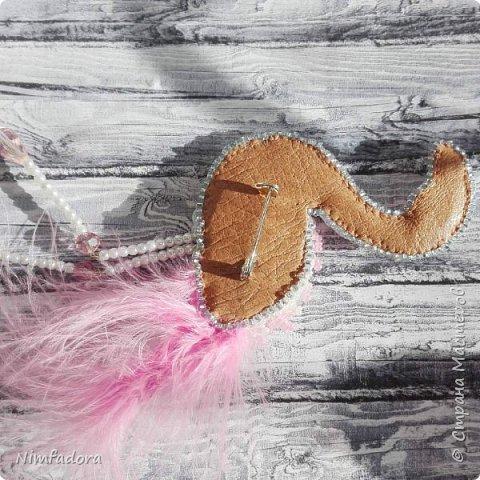 Появилось у меня в последнее время новое увлечение... мода на броши из бисера не прошла мимо))) Не умея плести, я решила начать вышивать)))  фото 5