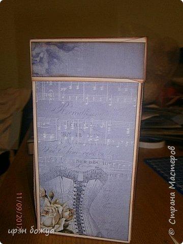 Сегодня у меня поздравительная коробовка для чая и шоколадки. Она не квадратная, а по форме коробки чая. в работе использовала, вырубки,стразы, наклейки, картинки. фото 4