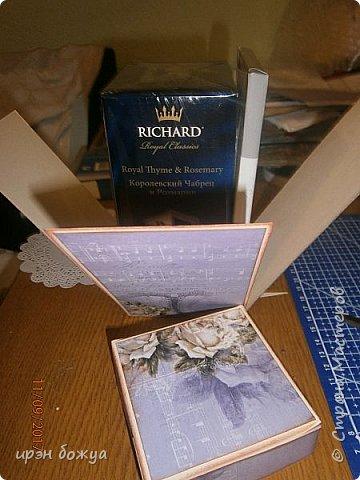 Сегодня у меня поздравительная коробовка для чая и шоколадки. Она не квадратная, а по форме коробки чая. в работе использовала, вырубки,стразы, наклейки, картинки. фото 2