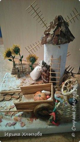 Наконец то доделала мельницу. Получилась поделка на осенний праздник в школу. Спасибо  Оля и Ко http://stranamasterov.ru/user/56081 - без Вашей поделки не было бы и нашей фото 2