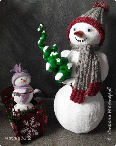 Внуку в детский сад надо было изготовить поделку. Я взялась сразу за двух снеговиков (вдруг какой-то не получится). фото 1