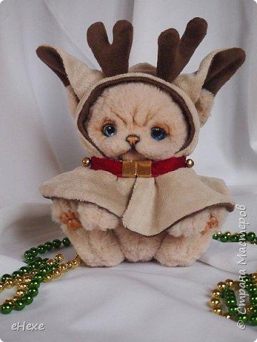 Бэмби тоже участвует в международном онлайн шоу. Он приёмный ребёнок в семье оленей Санты, но об этом пока не знает и считает себя оленёнком :) Он немного расстроен, что не взяли в упряжку. фото 2