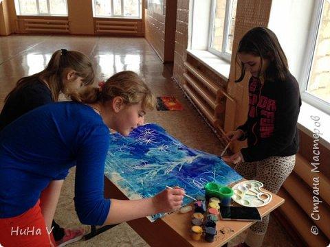 Коллективное рисование оказалось очень увлекательным творческим процессом! И дети и учителя получили массу положительных эмоций! фото 8