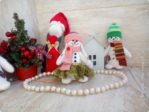 Здравствуйте дорогие соседи. Сегодня я к Вам со своими снеговиками и гномом по другой выкройке фото 2
