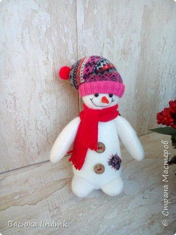 Здравствуйте дорогие соседи. Сегодня я к Вам со своими снеговиками и гномом по другой выкройке фото 3