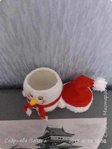 """очень долго искала и думала, что же такого связать на Новый Год??????? потом нашла фото в интернете """"снеговик мешок для сладостей"""". И решила связать, но при этом изменив схему....  просто, оригинально,  вот ссылка мк file:///C:/Users/я/Documents/Snegovik_meshok_dlya_sladostey.pdf фото 3"""