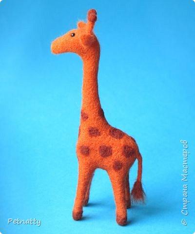 Жирафик на проволочном каркасе (синель), рост 18 см. Решила попробовать сухое валяние. фото 2