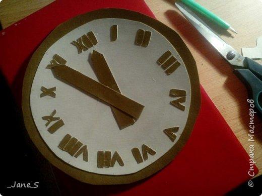 Хотя Новый Год ещё не скоро, надо начинать к нему готовиться. Сейчас я покажу вам, как сделать новогодние часы в форме Спасской башни. фото 8