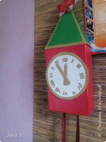 Хотя Новый Год ещё не скоро, надо начинать к нему готовиться. Сейчас я покажу вам, как сделать новогодние часы в форме Спасской башни. фото 1