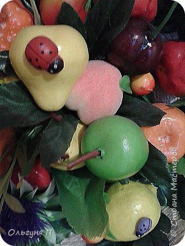 В доме нашлась ненужная сковородка - готовить на ней нельзя, а выбросить жалко...Решила создать компаньона для фруктового топиария.... фото 3