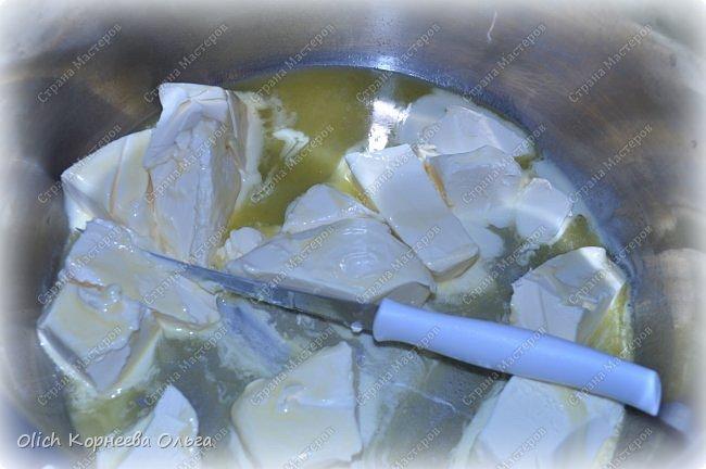 Доброго дня! Рассказываю еще один очень простой рецепт. Печь будем рассыпчатые рогалики с творожной начинкой. Тесто и начинку  готовить очень быстро, просто, у меня с этой работой легко справляются дети. Рогалики получаются нежными, сладкими, тесто тонкое и рассыпчатое. фото 3