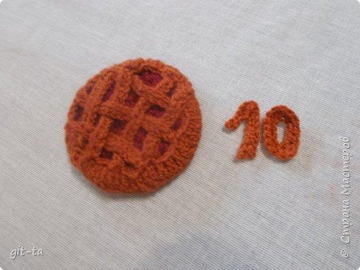 К дню рождения Страны Мастеров сотворим-ка мы вкусный  пирог с брусникой! У меня пирог небольшой по размеру, после чаепития на сайте отправится в запасы игрушек для внука: кукол чаем поить.  фото 13