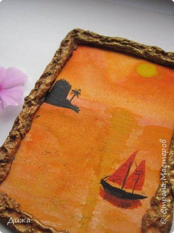 """Всем огромный приветик! Урааааааааааа, у меня каникулы начались, и я к вам с очередной серией АТС карточек """"Оранжево"""" называется.  Серия создалась благодаря моей любимой песенки """"Оранжевая песня"""". Вы знаете эту весёлую песню??? Послушайте как нибудь, сразу настроение поднимается!!!!!  Я должна АТС карточки мастерицам Элайджа https://stranamasterov.ru/user/399311 (за """"Бабочки""""), p_olya71 (Ольга) https://stranamasterov.ru/user/368861 (за """"Рыбки"""") Марии Соколовской https://stranamasterov.ru/user/346201 (за """"Гороскоп рыбы"""") и Мотюша  (Юлия) https://stranamasterov.ru/user/304978 (за """"Соловей мой"""") прошу их выбирать, если им понравиться. Если кому понравится серия, то могу сделать дополнительно, только не очень быстро получиться. Но пока я неделю дома сижу, думаю смогу :-)  Сохадзе Ирма (исполнитель) — «Оранжевая песня»  Автор текста (слов): Арканов А.  Композитор (музыка): Певзнер К.   Вот уже два дня подряд я сижу рисую Красок много у меня выбирай любую Я раскрашу целый свет В самый свой любимый цвет     фото 21"""