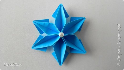 Снежинка из бумаги. Новогодняя игрушка для елки своими руками