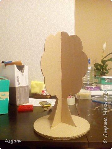 """В садик попросили сделать дерево """"Времена года""""""""  Сделала основу из картона, предварительно нарисовав его шаблон фото 1"""