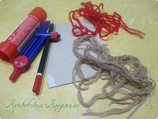 Такую подвеску можно сделать вместе с детьми для украшения интерьера или новогодней елочки.   фото 2