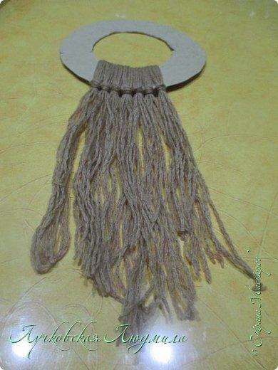 Такую подвеску можно сделать вместе с детьми для украшения интерьера или новогодней елочки.   фото 8