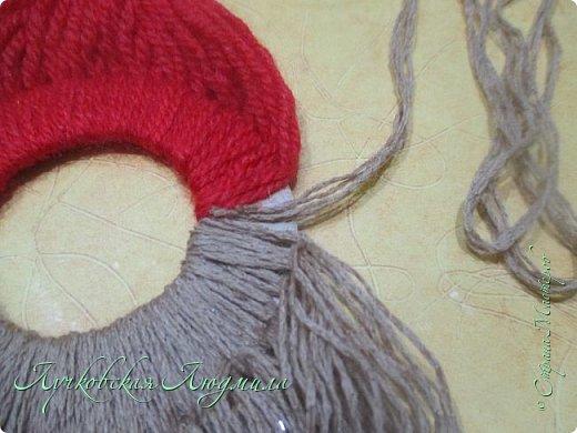 Такую подвеску можно сделать вместе с детьми для украшения интерьера или новогодней елочки.   фото 16
