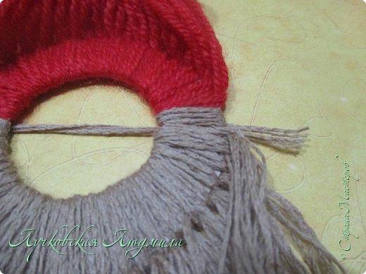 Такую подвеску можно сделать вместе с детьми для украшения интерьера или новогодней елочки.   фото 18