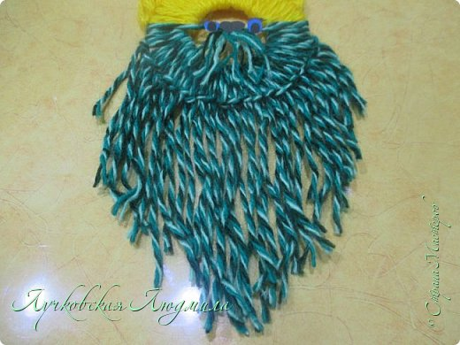 Такую подвеску можно сделать вместе с детьми для украшения интерьера или новогодней елочки.   фото 21