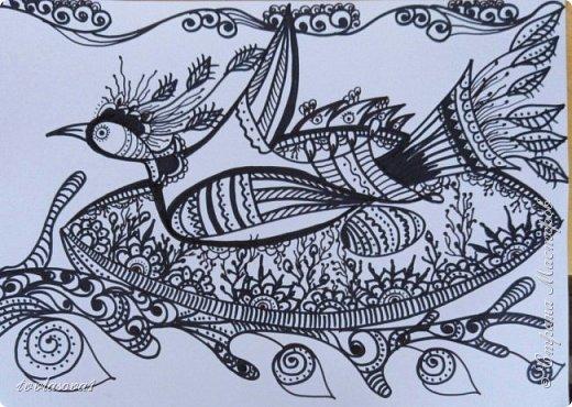 Сбылась моя тайная мечта!!! Я попала на мастер- класс к чудесному человеку, художнику - этнофутуристу Юрию Лисовскому. Мы много разговаривали, он показывал мне свои работы (от которых я просто в восторге!!!). На сам рисунок ушло около часа.... :))) Это моя чудо- птица, рожденная из каракули фото 1
