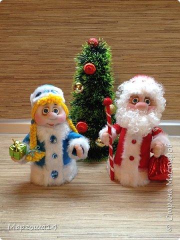 Привет,Страна Мастеров!!! Продолжаем готовиться к Новому Году. Дед Мороз - рост (без шапочки) 17 см,в ручки вставлена проволока. фото 6