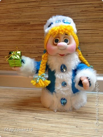 Привет,Страна Мастеров!!! Продолжаем готовиться к Новому Году. Дед Мороз - рост (без шапочки) 17 см,в ручки вставлена проволока. фото 5