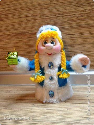 Привет,Страна Мастеров!!! Продолжаем готовиться к Новому Году. Дед Мороз - рост (без шапочки) 17 см,в ручки вставлена проволока. фото 4
