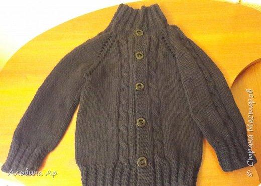 Всем привет! Продолжаю вспоминать забытое вязание. Кофточка для внука 5 лет. Пряжа детская пехорка. Ушло меньше 300грамм фото 1