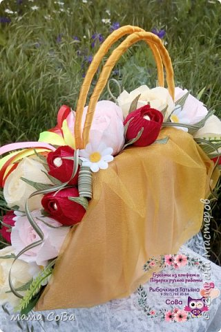 Получился вот такой бюджетный вариант летней сумочки с конфетками. Заказчик доволен, одаряемая - в восторге. Есть куда расти, так что я очень стараюсь))) фото 1