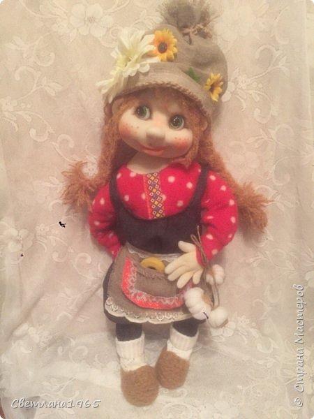Здрасте всем!!!Попросили куклу домовушку ,с косичками,размером ,около полуметра.Вот что получилось. фото 3