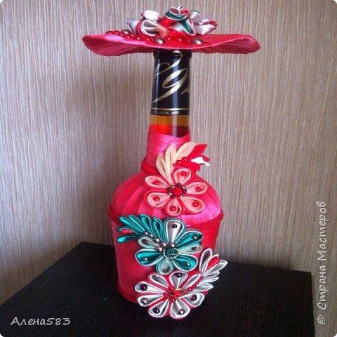 Бутылка-мадам в цветах фото 1